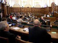 Letonya'da Hükümet İstifa Etti