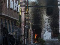 Sur'daki PKK Saldırısında Fatihpaşa Camisi'nde Yangın Çıktı