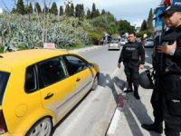Tunus'ta Sokağa Çıkma Yasağı Kaldırıldı