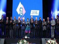 Necip Fazıl Ödülleri ve Eleştiri