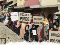 Bosna-Hersek'te Başörtü Yasakçılığına Karşı Yürüyüş