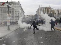 Yunanistanlı Çiftçilerin Protestoları Devam Ediyor