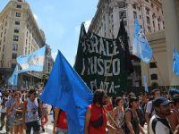 Arjantin'de Grevler Hükümete Geri Adım Attırdı