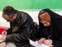 Rafsancani ve Ruhani İlk Sıralardan Uzmanlar Meclisi'nde