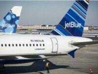 'Bakışları Beğenilmeyen' İki Müslüman Kadın Uçaktan İndirildi
