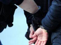 İzmir'deki Operasyonda 8 Kişi Tutuklandı