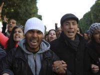 Tunus'ta Bin Ali Dönemi Siyasi Tutsakları Sokağa İndi