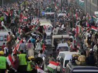 Pakistan'da 10 Bin Kişi Kadri'nin İdamını Protesto Etti