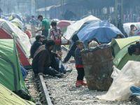 İdomeni'deki Sığınmacıların Çaresiz Bekleyişi Sürüyor