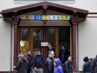 İsviçre'deysen İnancına Aykırı da Olsa İsviçre Kültürüne Göre Davranacaksın!