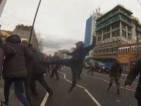 İngiliz Irkçılar Londra'da Camiyi Hedef Aldı