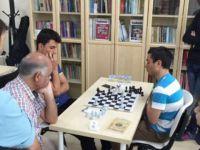 Başakşehir Özgür-Der'den Ödüllü Satranç Turnuvası