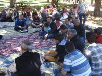 Bergama, Akhisar ve İzmirli Müslümanlar Piknikte Buluştu