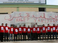 İHH, Azez'de 'Halep Yanıyor' Eylemi Düzenledi