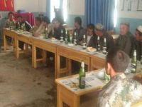 İşgalci Çin, 1 Mayıs'ta Doğu Türkistanlılara Zorla Şarap İçirdi!