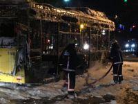Sultangazi'de Otobüs Yakıldı, Taksi Şoförü Öldürüldü