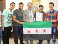 Rektör Cavit Bircan'a Suriyeli Öğrencilerden Teşekkür Ziyareti