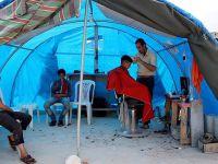 Suriyeliler Çadır Dükkânlarda Geçimlerini Sağlamaya Çalışıyor