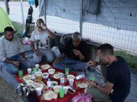 Yunanistan Sınırındaki Sığınmacıların İlk İftarı