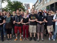 Avusturya'da Irkçı Karşıtları, Irkçı-Faşizanlar Karşısında Barikat Oldu!