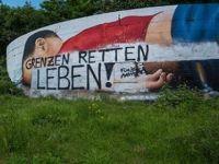 Irkçılardan Alan Kurdi Grafitisine Saldırı