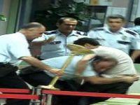 Adana Merkez Camiinde Canlı Bomba Paniği (Video)