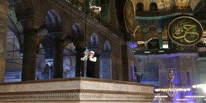 Ayasofya'ya Uzun Yıllar Sonra İlkez İmam Atandı