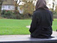 İsviçre'de Müslüman Kadına Burka Giydiği İçin Para Cezası Kesildi