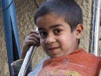 Suriyeli Çocukların Oyuncakları Boş Füze Kovanları!