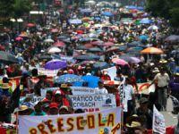 Meksika'da Protestocu Binlerce Öğretmenin İşine Son Verilecek
