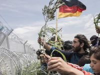 Merkel, Mültecileri Sınır Dışı Etme Uygulamasını Hızlandırıyor!