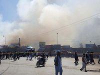 Afganistan'da İş Merkezinde Yangın: 120 Mağaza Kül Oldu