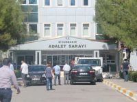 Diyarbakır'da 14 Adliye Görevlisine Gözaltı