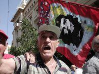 Atina'da Emeklilere Gazla Müdahale Edildi