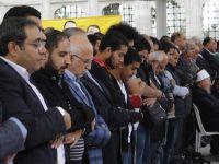 Mısır Cuntası Fatih Camii'nde Lanetlendi