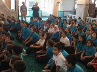 Öğrencilerin Camiye Götürülmesinden Rahatsız Olan Zihniyet