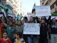 Halepliler Esed ve Rusya'nın Katliamlarını Protesto Etti