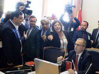 HDP'li Vekillerden TBMM'de Tutmayan Kışanak Şovu