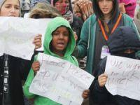 Fransa'nın Utanç Kampı Boşaltıldı, Yüzlerce Çocuk Ortada Kaldı
