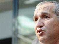 Türkiye'ye Dönen Cumhuriyet Yazarı Akın Atalay Gözaltına Alındı
