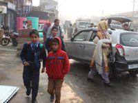Keşmir'de 133 Gün Sonra İnsanlar Sokakta