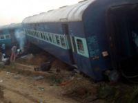 Hindistan'da Tren Kazası: En Az 90 Ölü