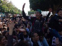 Tunus'ta Lise Öğrencilerinden Sınav Protestosu