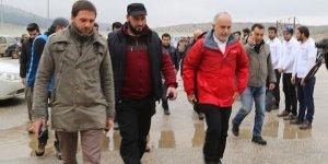 """""""Halep'le İdlib Arasında Bine Yakın Halepli Bekletiliyor"""""""
