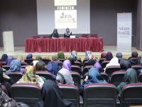 """İÜ İlahiyat'ta """"Kadına Modern Dayatma: Feminizm"""" Konuşuldu"""