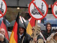 """""""ABD ve Almanya'da 10 Haberden 9'u İslâm Karşıtı"""""""
