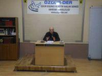 """Akhisar Özgür-Der'de """"İslami Şahsiyetin İnşası"""" Konuşuldu"""