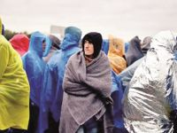 Mülteciler Donarak Hayatını Kaybetti!