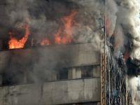 Tahran'da 17 Katlı İş Yeri Çöktü
