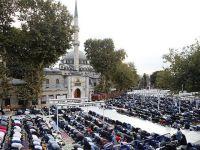 İstanbul'da 4 Bin 403 Kişiye Bir Cami Düşüyor